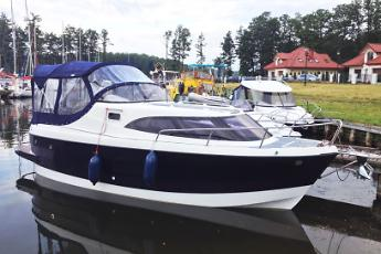 Czarter houseboatu AM 780